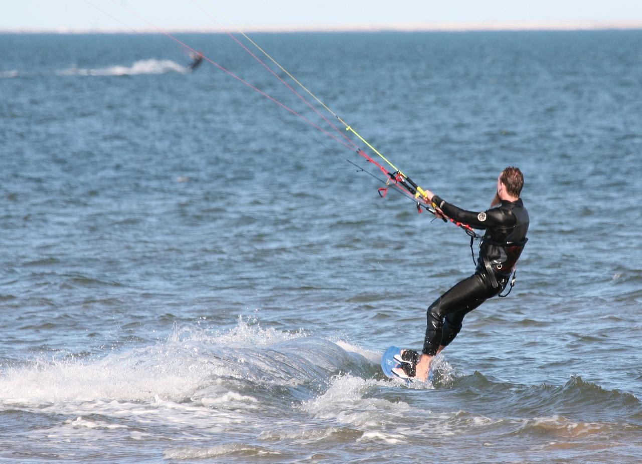 Kitesurfing – jak zacząć?