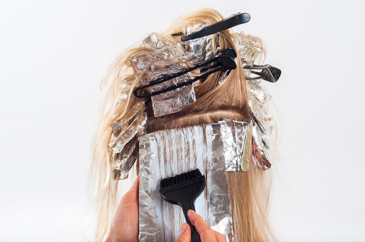 Jak dobrać odpowiednie kosmetyki do włosów?