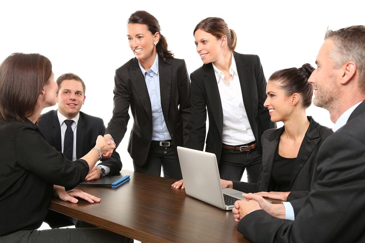 Czy firma powinna mieć własnego adwokata?