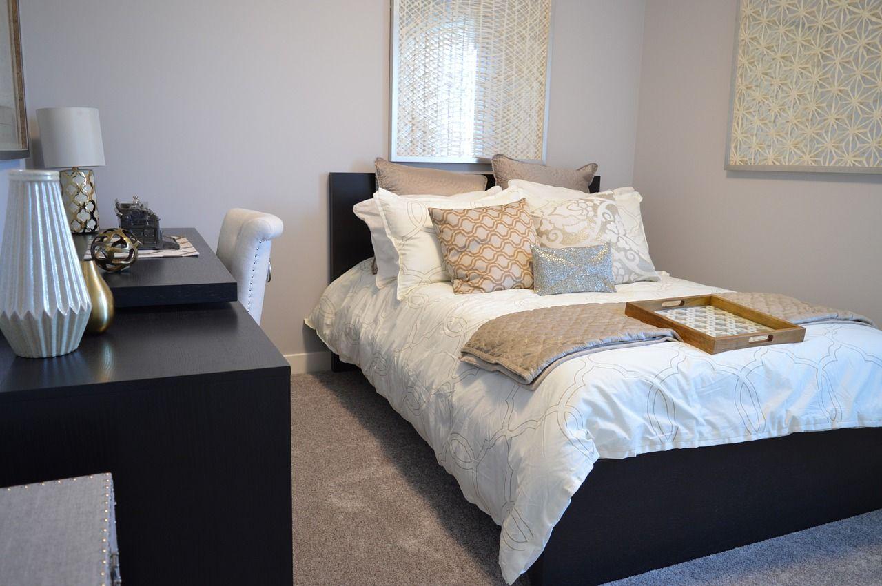Łóżko z zagłówkiem czy bez?