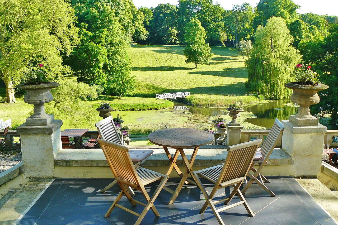 Jakie elementy wyposażenia ogrodu są ważne?