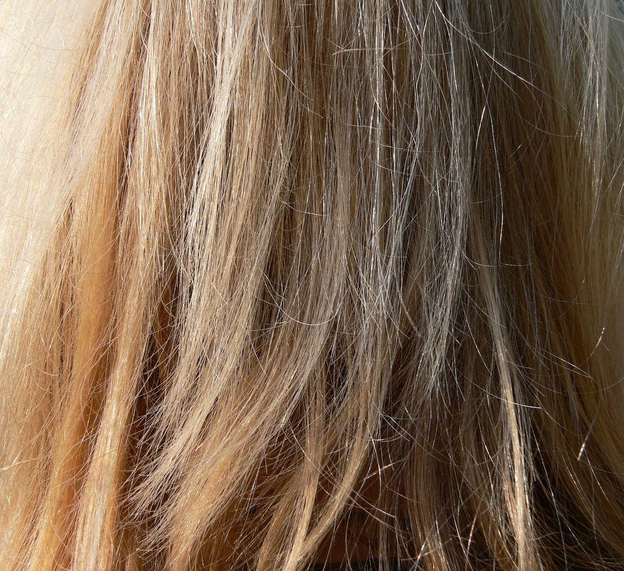 Jakimi metodami przedłuża się włosy?