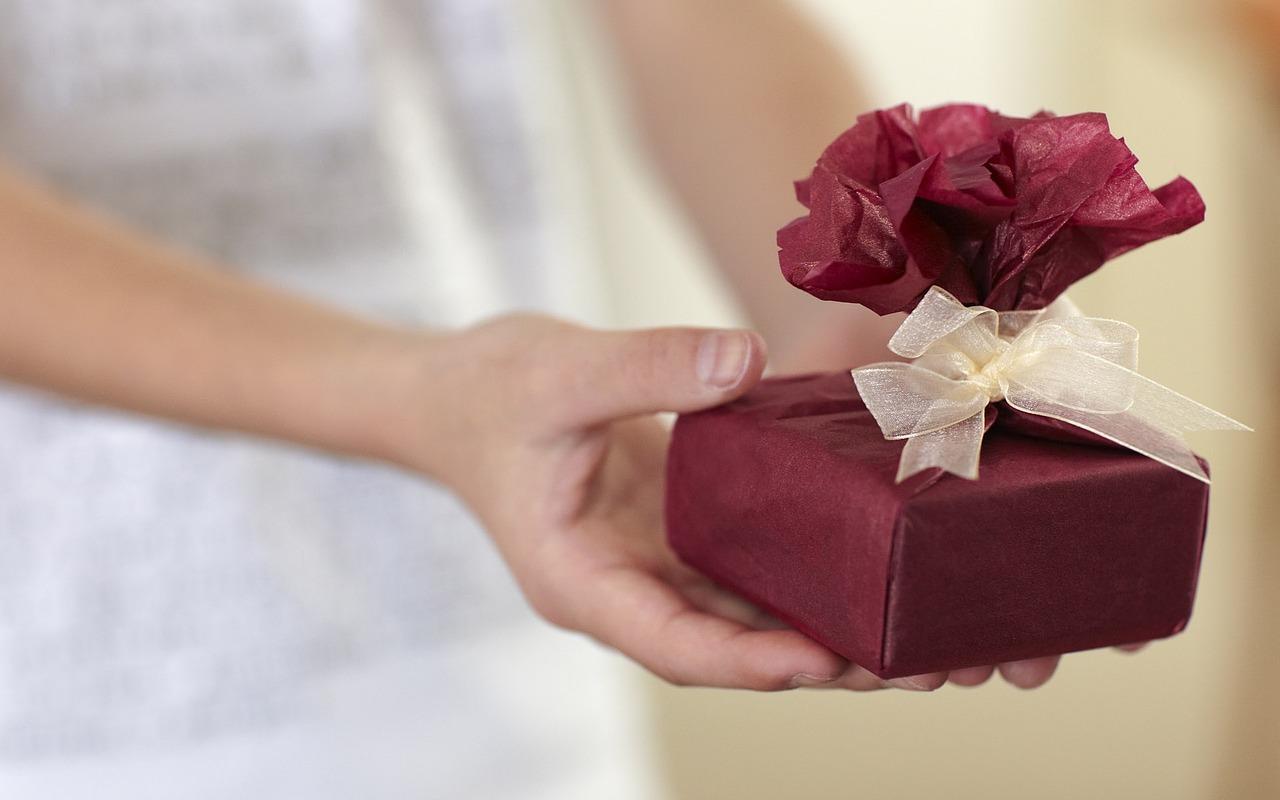 Jak dobrać prezenty do okazji?