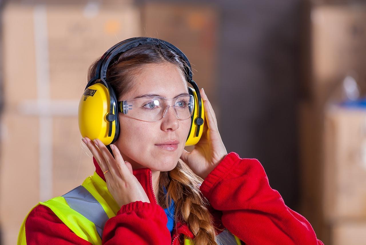 Jak zadbać o bezpieczeństwo pracowników budowy?