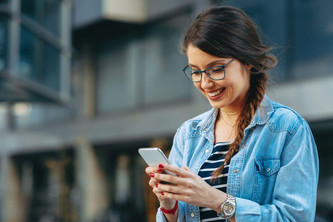 Smartfony na topie, czyli porównanie flagowych modeli apple i Samsunga