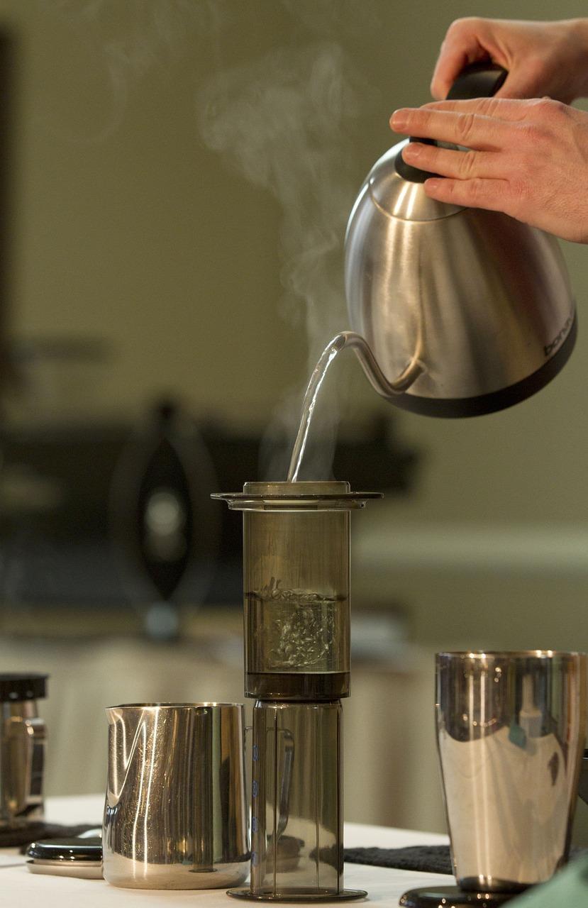 Jakie są właściwości czerwonej herbaty?