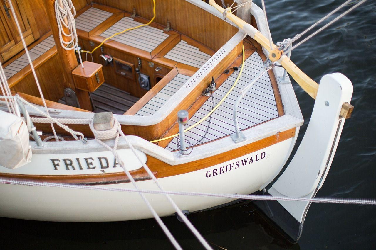 Jak często przeprowadzać remonty jachtu?