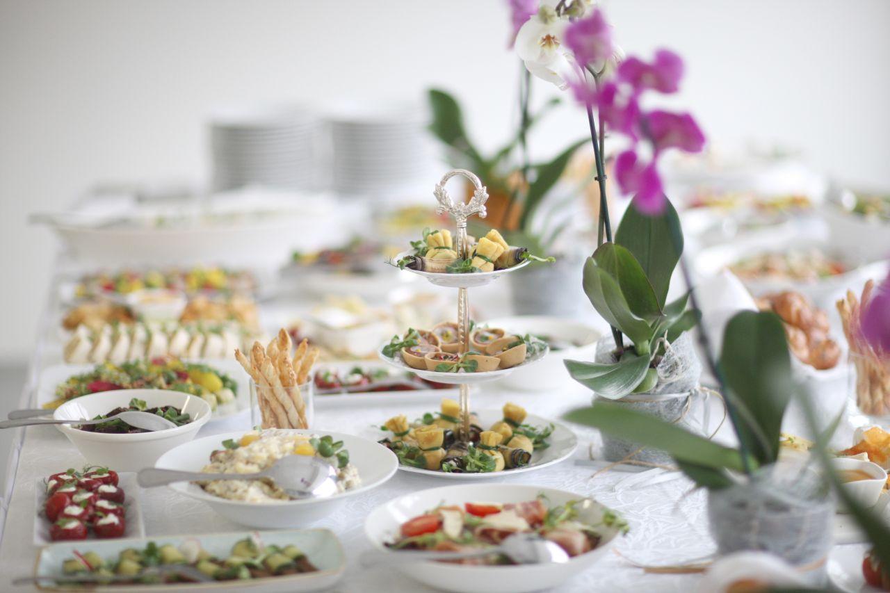 Gdzie sprawdzi się usługa cateringowa?