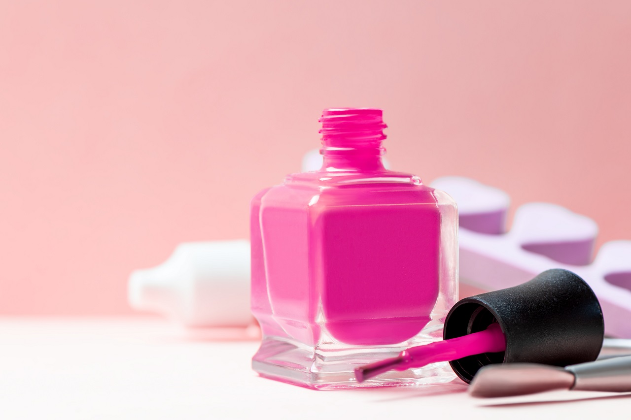 Jak dobrać lakier do rodzaju manicure'u?