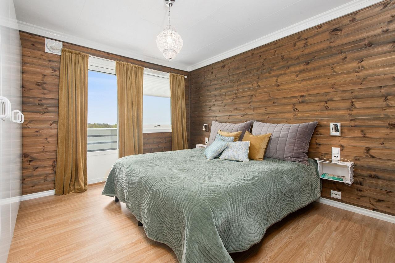Drewno w sypialni, czyli prosty sposób na zwiększenie elegancji wnętrza