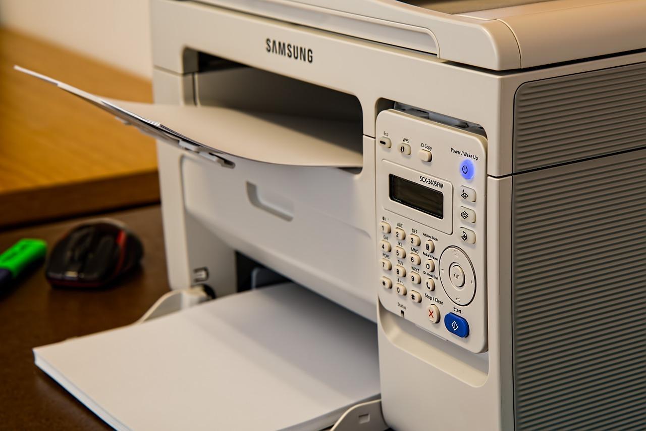Jakie funkcje oprócz kopiowania posiadają kserokopiarki?