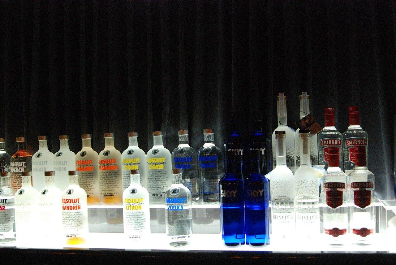 Jakie alkohole wybrać na weselne przyjęcie?