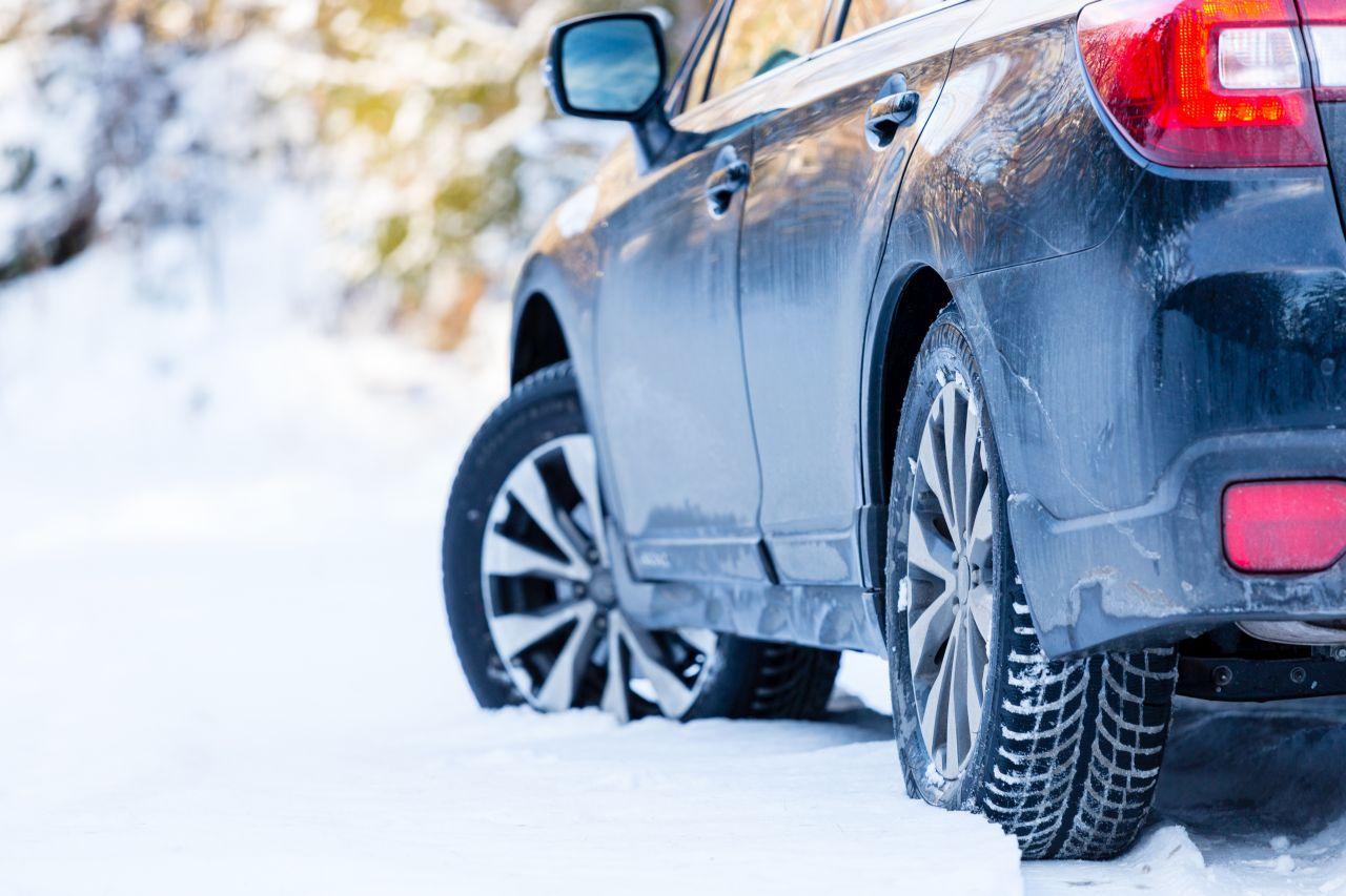 Co może pomóc w wyborze opon zimowych do samochodu?