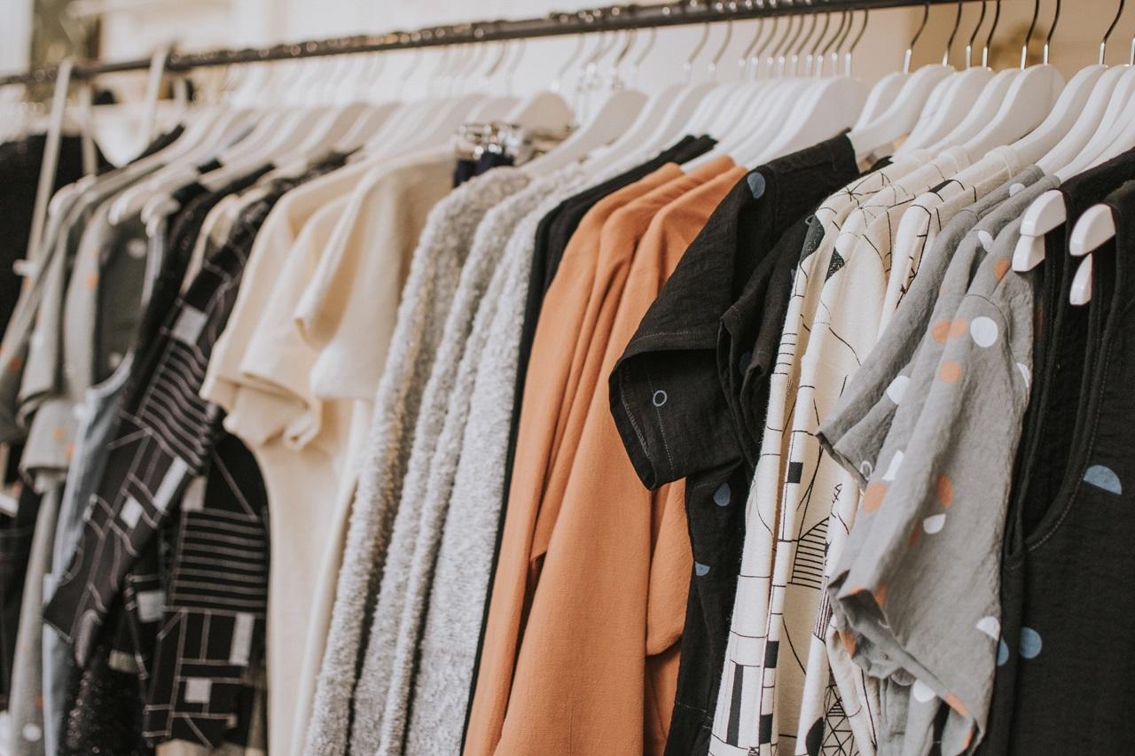 Ubrania basic – podstawa każdej garderoby