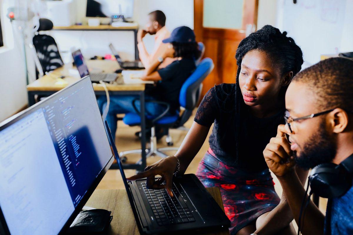 Jakie elementy wziąć pod uwagę zakupu oprogramowania biurowego?