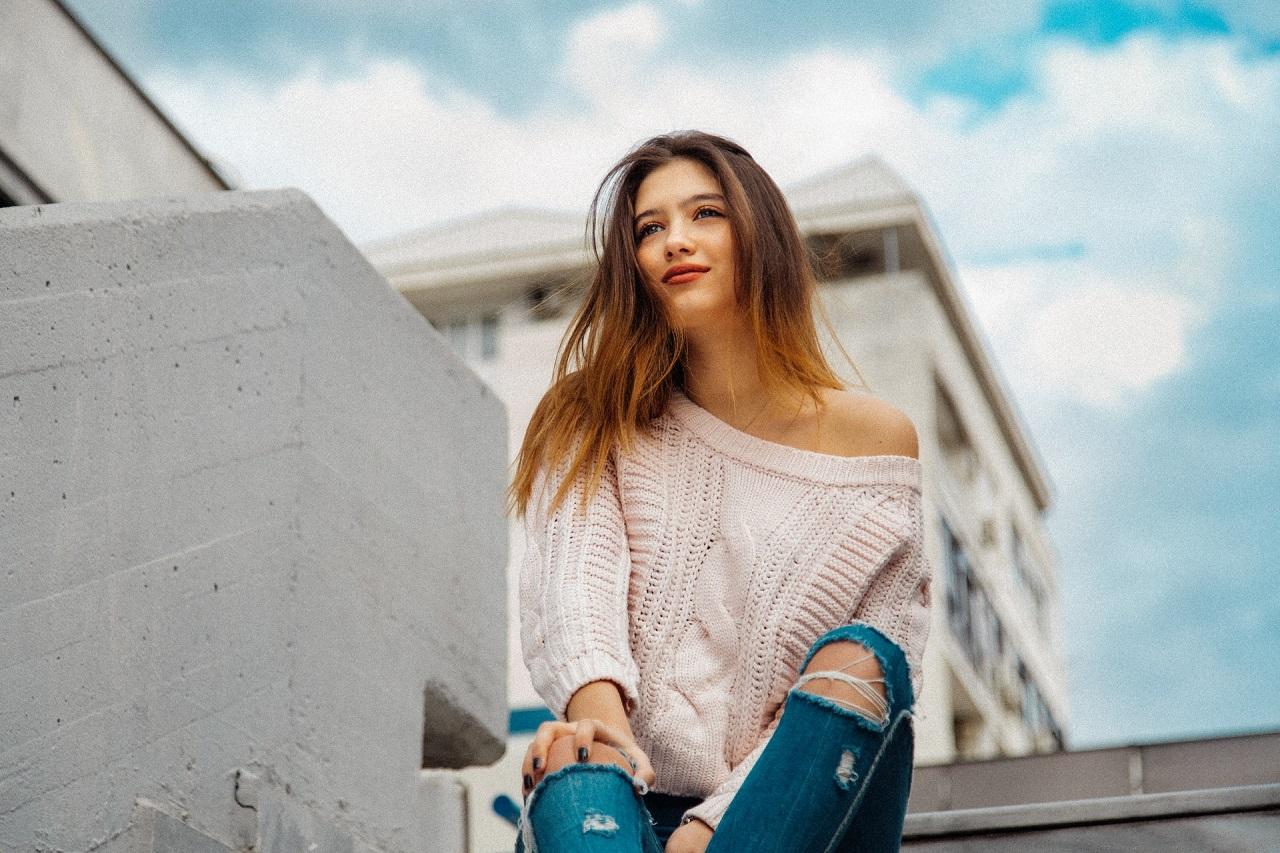 Jak w swetrach wyglądać stylowo?