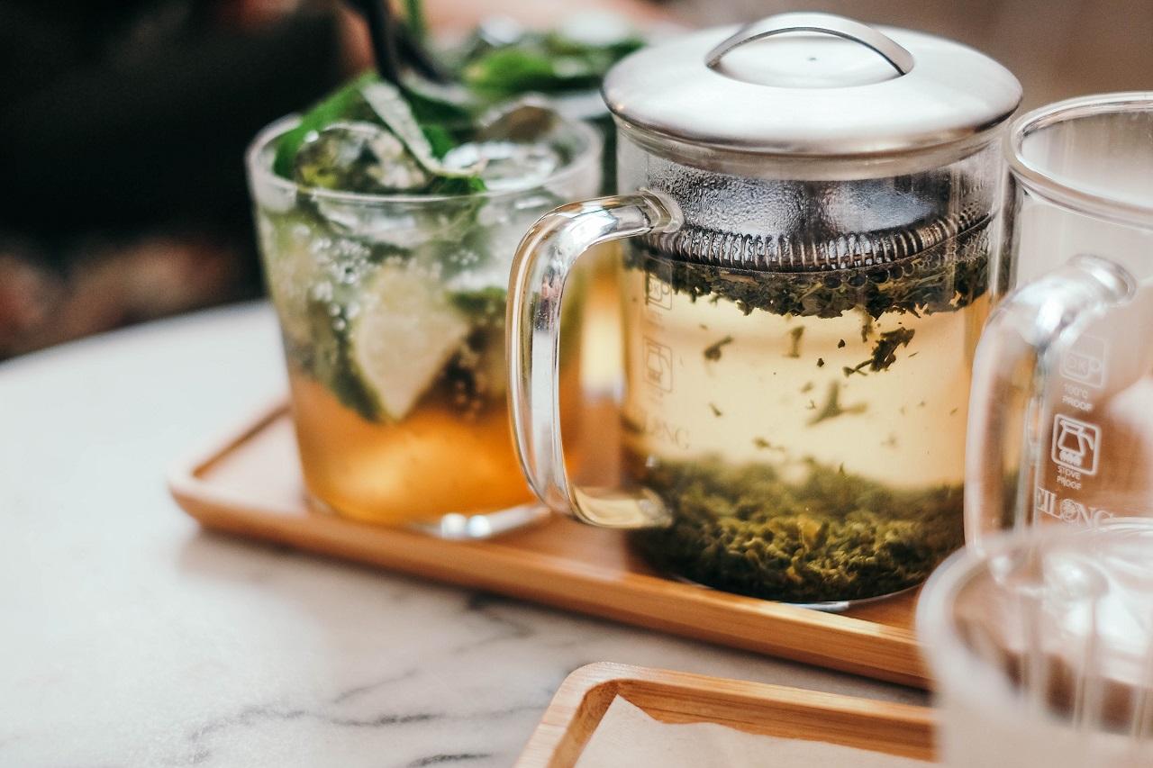Jakie korzyści mogą płynąć z picia dobrej jakościowo herbaty?