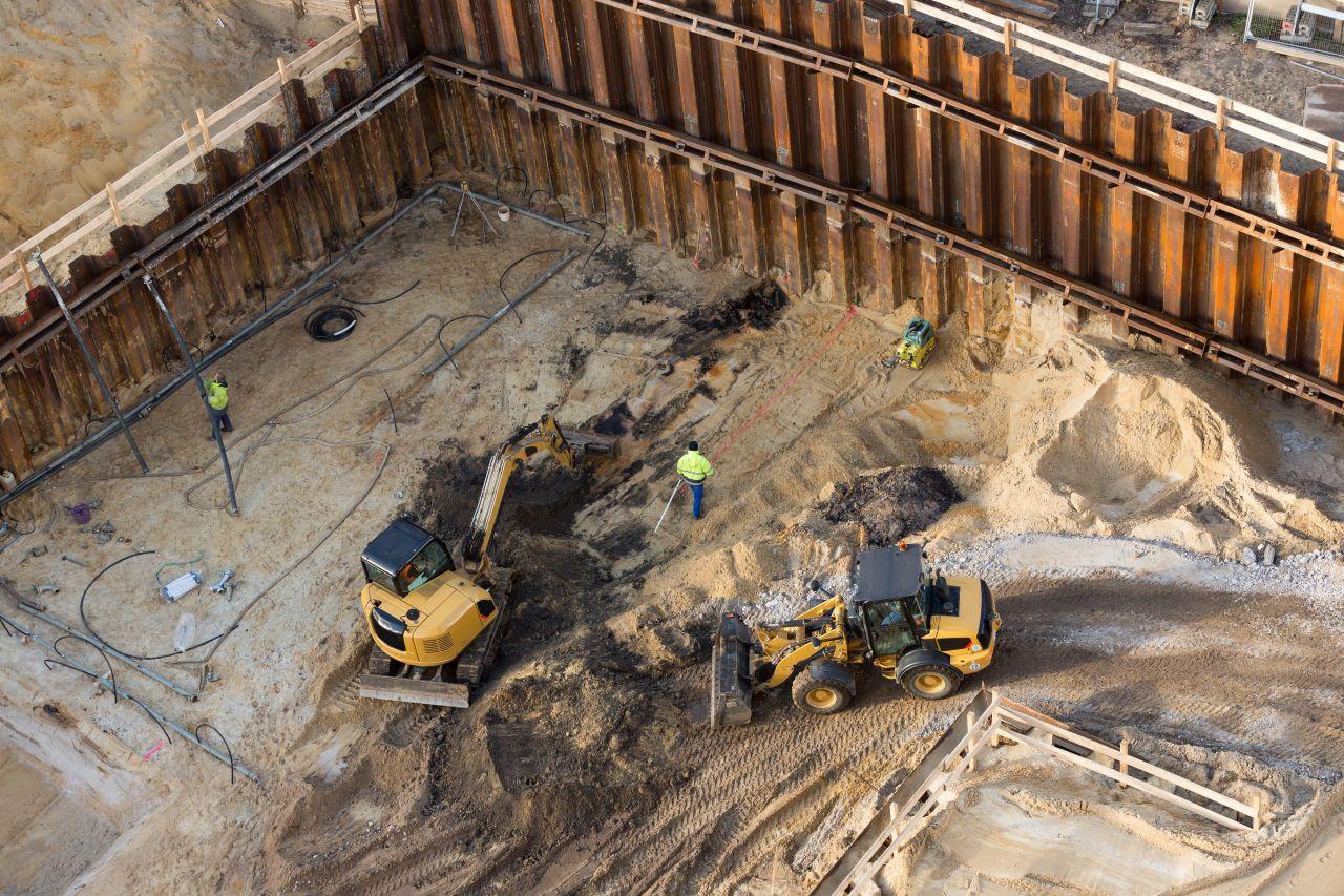 Co zrobić w razie zalania gruntu pod budowę?