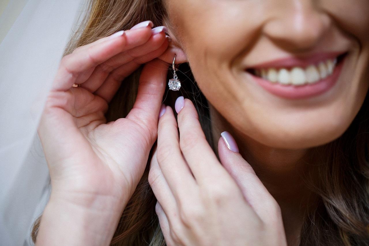 Biżuteria – czy jest dobrym pomysłem na prezent?