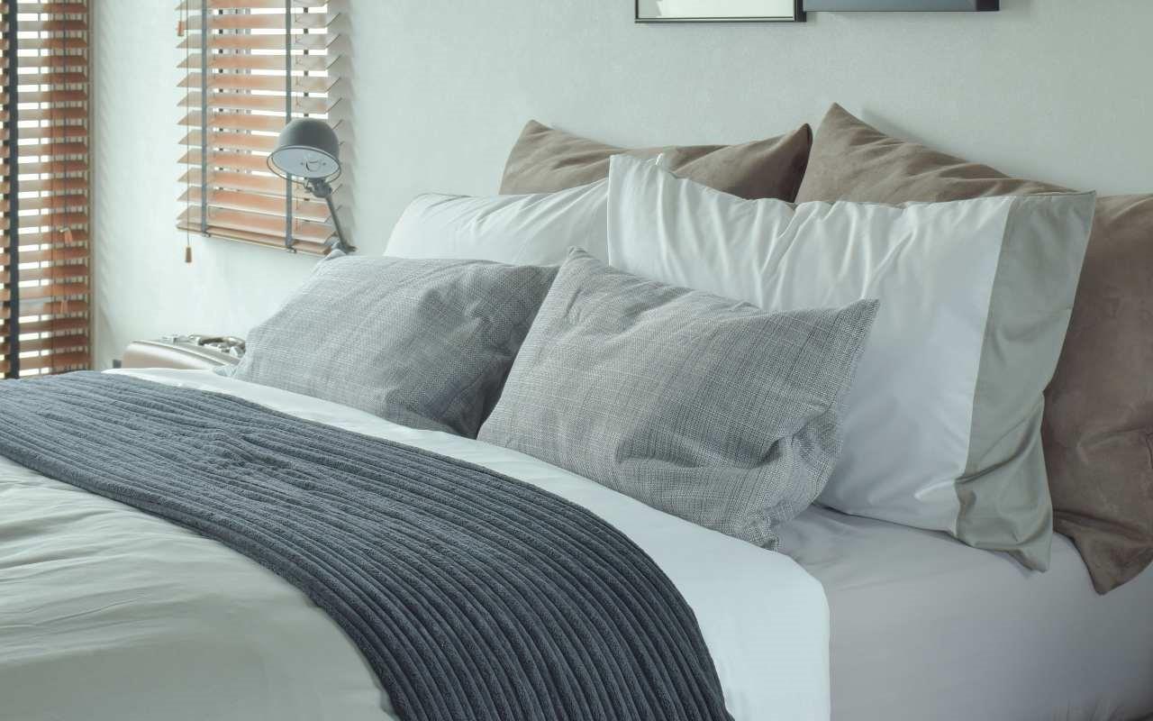 Łóżko małżeńskie – jak sprawić, aby dla obojga było wygodnie
