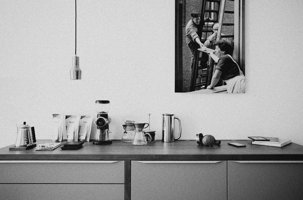 Dlaczego warto zainwestować w nowoczesny system do zabudowy szuflad w swojej kuchni?