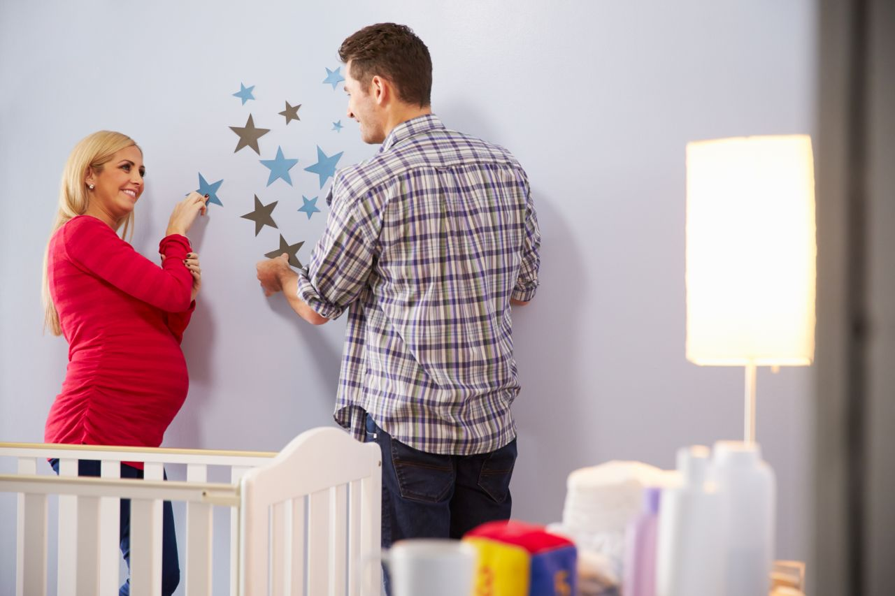 Niebanalne pomysły na udekorowanie ścian – co zrobić żeby było modnie?