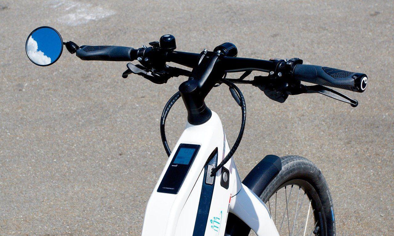 Czym się różnią rowery elektryczne od standardowych modeli?