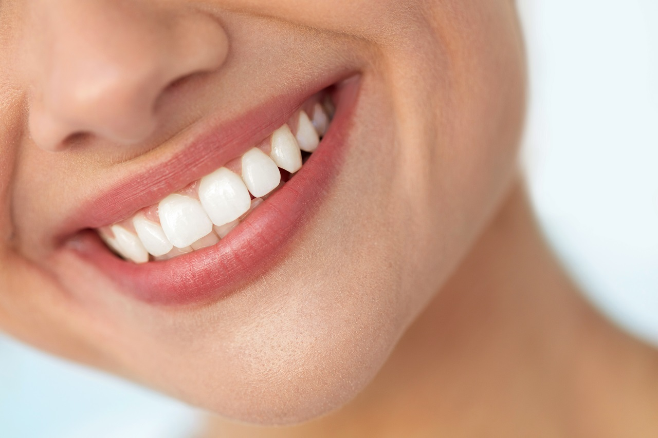 Kiedy warto pomyśleć o bondingu zębów?